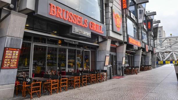 Brussels Grill Place Rogier Devanture