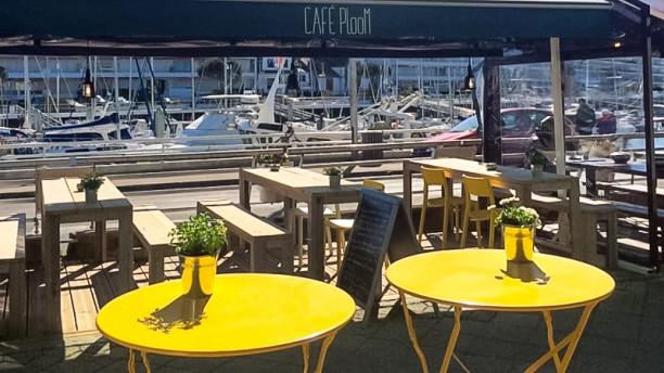 Café Ploom La terrasse