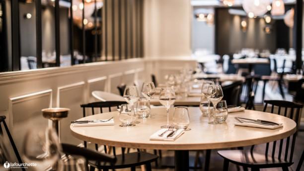 Restaurant dix huit paris 75017 arc de triomphe ternes porte maillot menu avis prix - Fourriere porte pouchet paris 17 ...