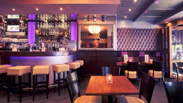 Café Cinq Foto van de zaak