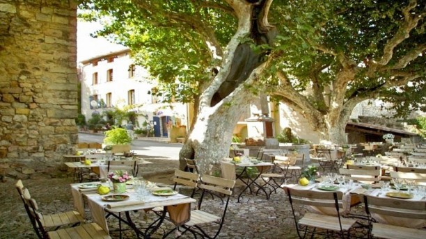 Hôtel-Restaurant des 2 Rocs Terrasse