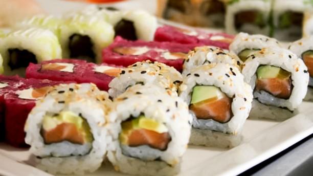 Sakura Infante Santo sushi1