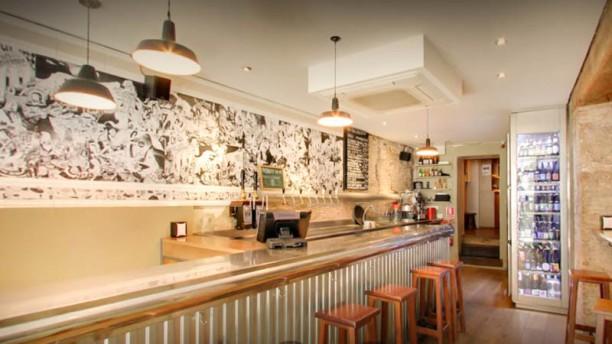 Ale&Hop interior