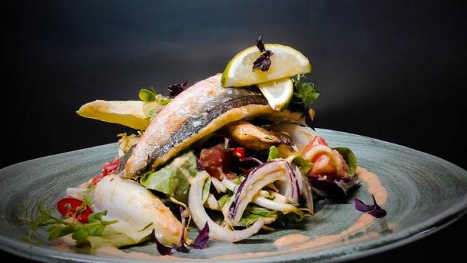 Rode poon   Thaise salade - FONK, Den Haag