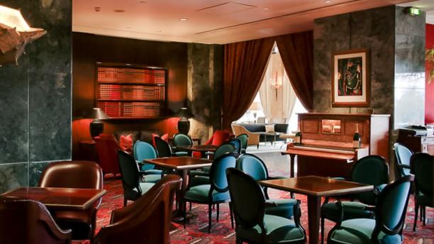 Ritz Bar / O Japonês Sala