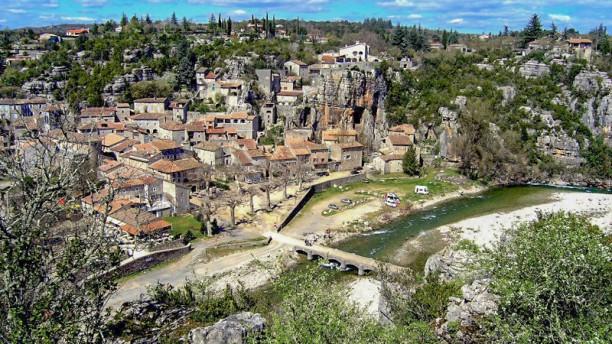 L'Ardenave Le Village