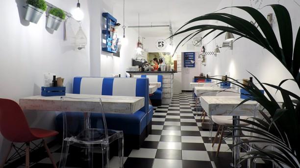 Piadineria Italiana 13 Sala del restaurante