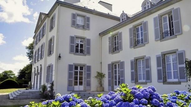 Le Domaine de Kerbastic Les hortensias bleus