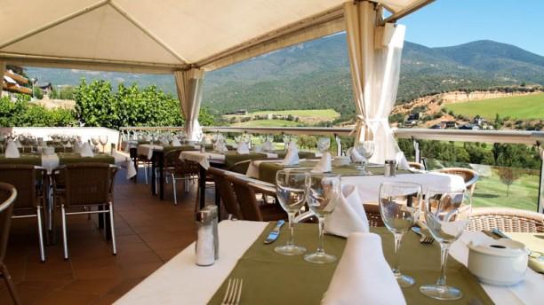 Aravell Restaurant terraza