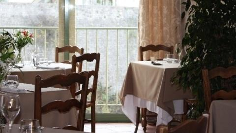 restaurant - Le Bateleur - Buisson