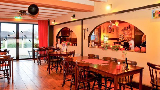 Eetcafé 't Opstapje Restaurant