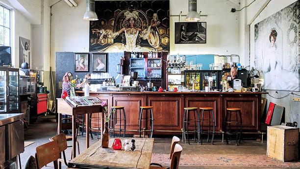 Posse The bar