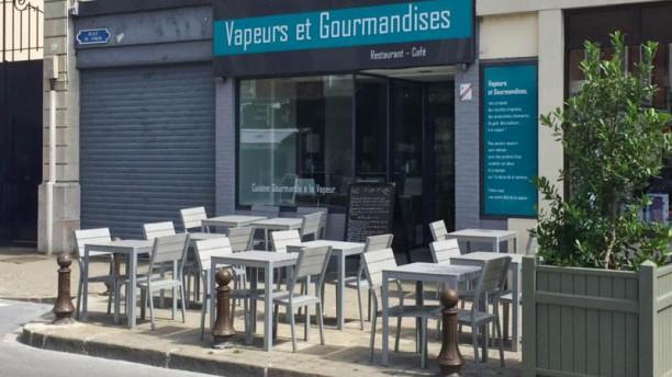 Vapeurs et Gourmandises Façade du restaurant