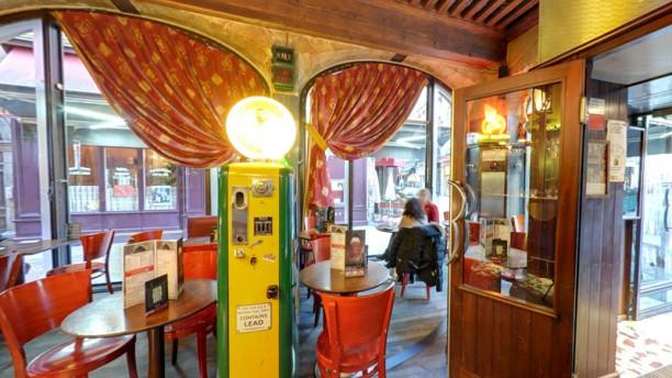 Restaurant eden rock lyon 69002 bellecour h tel de for Restaurant ville lasalle
