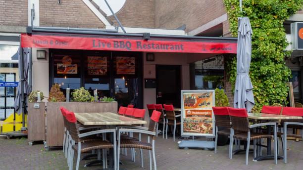 Live BBQ Restaurant  My Pizza & Pasta Terras