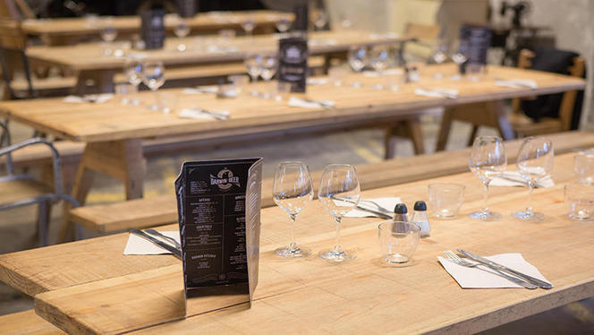 Table dressée - Magasin Général, Bordeaux