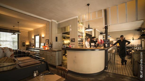 i cugini restaurant 33 rue de paradis 75010 paris. Black Bedroom Furniture Sets. Home Design Ideas
