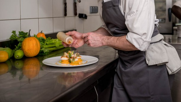 Les tables d 39 augustin in paris restaurant reviews menu and prices thefork - Dressage de table ...