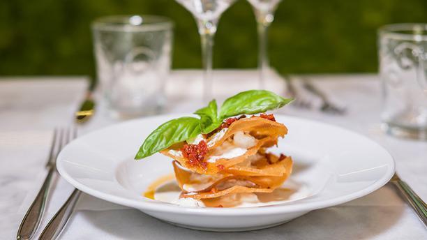 L'OV - Osteria Vegetariana Millefoglie di stracciatella fior di latte e pesto di pomodori secchi