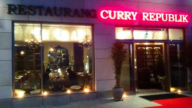 Curry republik The entrance