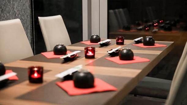 Sen Sushi & Noodles tavolo