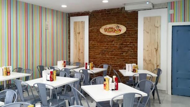Toñi's Burger Vista de la sala