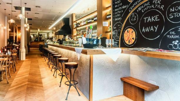 Restaurante cullera de boix rambla de catalunya en for Restaurante cullera de boix