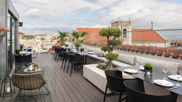 Lumi Rooftop Terraço