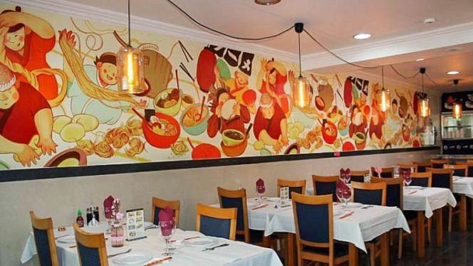 In Spring Noodle Bar ristorante asiatico a Setúbal in Portogallo
