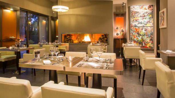 Restaurant l 39 hibiscus restaurant 1060 avenue jean henri for Equipement salle restaurant