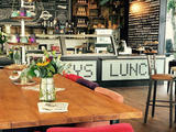 Jacky's Lunch & Winebar