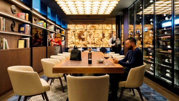 TENDIEZ - Hotel Pullman Barcelona Skipper Sala