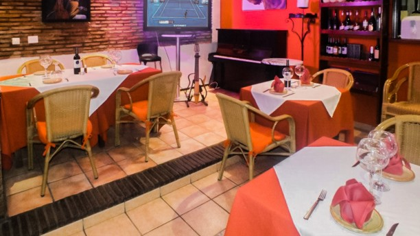 restaurant food n 39 rock el castillo fuengirola avis menu et prix. Black Bedroom Furniture Sets. Home Design Ideas