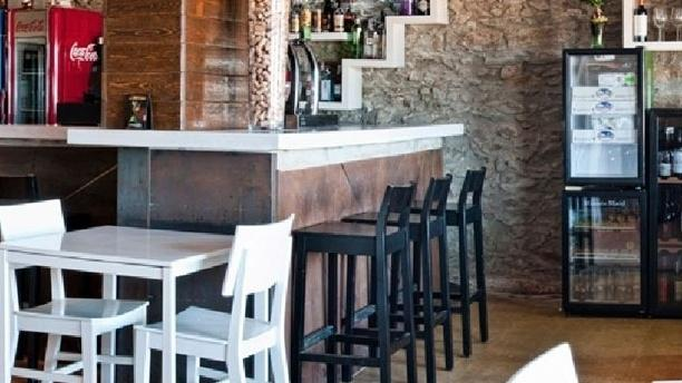 L'Ancora Restaurant & Café Vista barra