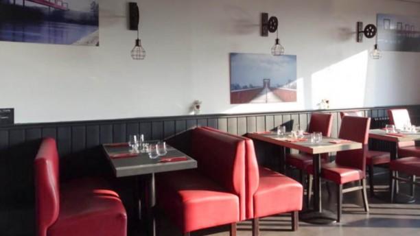 table restaurant 6 rue victor hugo 95300 pontoise adresse horaire. Black Bedroom Furniture Sets. Home Design Ideas