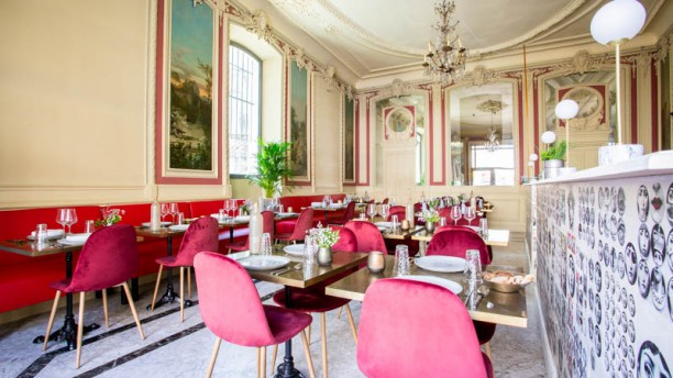 Café Pétrarque Vue de la salle