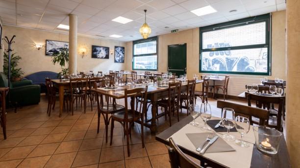 Le Nyamuk Salle du restaurant