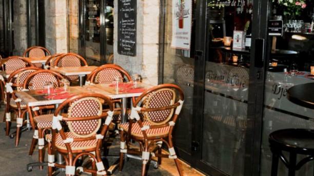 Djemi's Café terrasse nuit