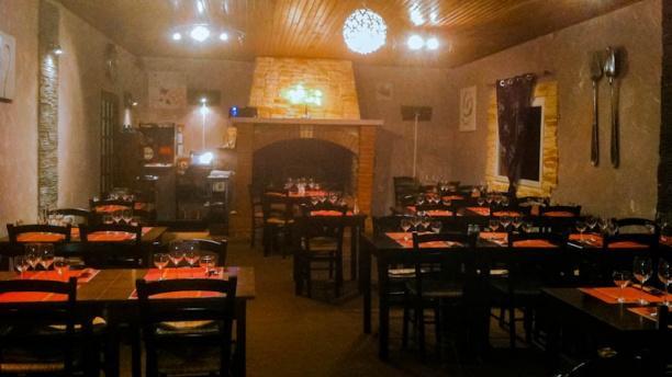 Les Ponts d'Ouve salle restaurant