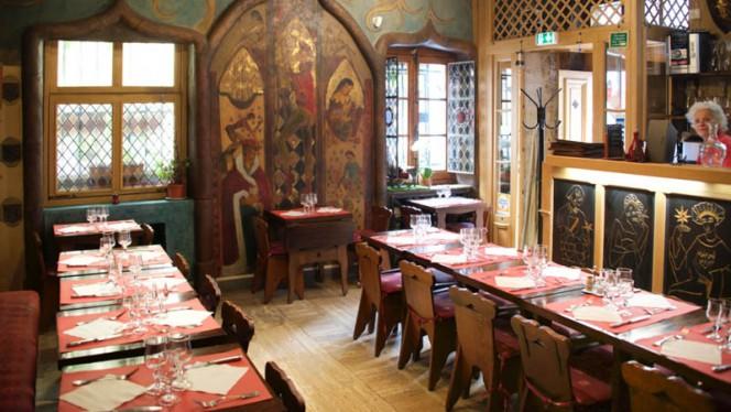 Aux Anysetiers du Roy - Restaurant - Paris