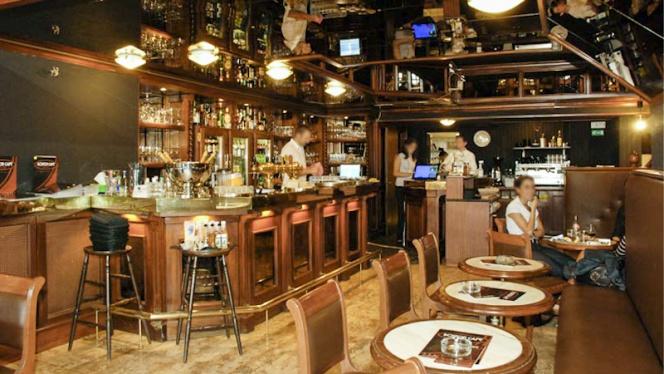 Vue bar - Boston Steak House Toison d'Or,