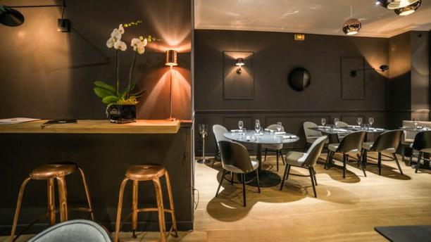 Restaurant 24 paris 75008 champs elys es menu avis for Restaurant ville lasalle