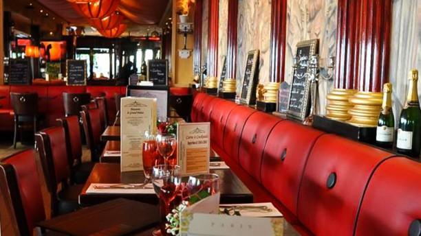 le grand palais in parijs menu openingsuren adres foto s van restaurant. Black Bedroom Furniture Sets. Home Design Ideas