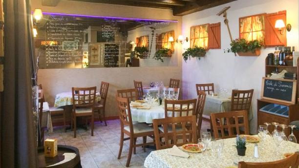 Le Provençal Salon du restaurant