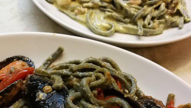 Caffè del Borgo Scialatielli nero di seppia cozze pomodorino
