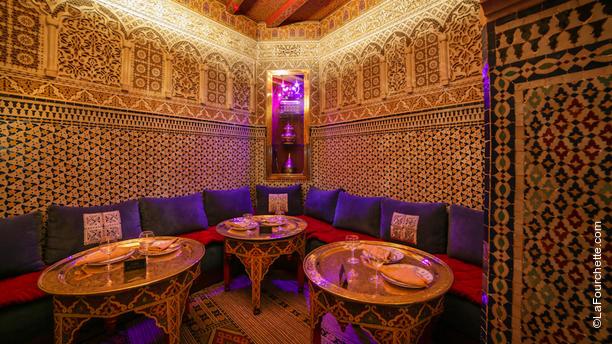 restaurant essaouira paris 75016 tour eiffel champ de mars passy victor hugo menu. Black Bedroom Furniture Sets. Home Design Ideas