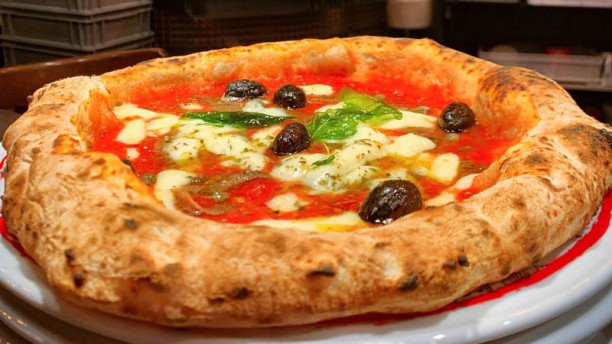 La Vita è Bella La Pizza è Bella Gourmet In Etterbeek
