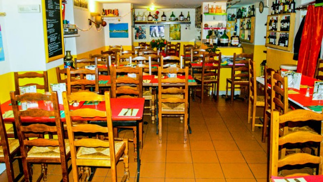 Vue de la salle - La Taverne du Brésil et du Cap Vert, Paris