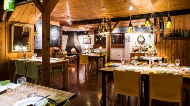 L'Anversis, table de montagne Salle du restaurant