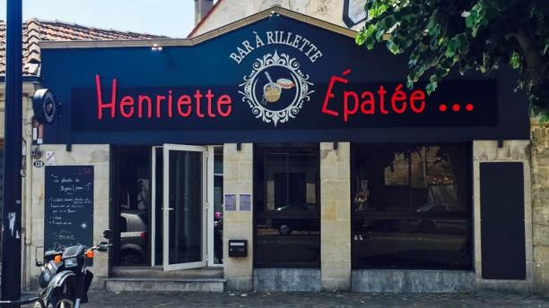 Henriette Épatée Devanture
